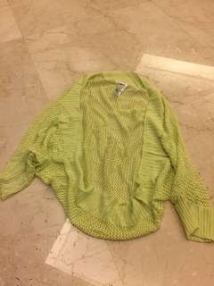 Yellow loose outer Uniqlo