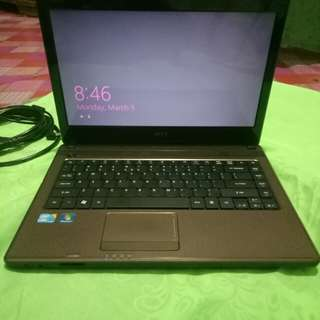 Acer laptop with 1tb HDD, core I3!