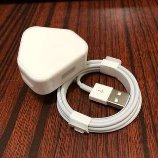 Apple 原裝5W USB轉換器加USB 1米連接線 (原價$336)