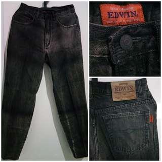 Celana Jeans Pria EDWIN warna hitam ukuran 30