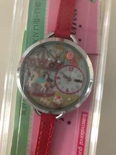 NEW Cue 3D Watch - Carousel