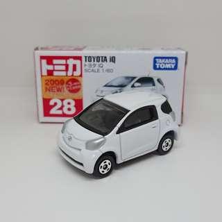 Tomica 28 Toyota iQ