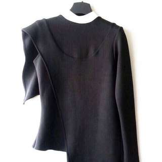 INSTOCK Young And Restless Asymmetrical Cape TOP
