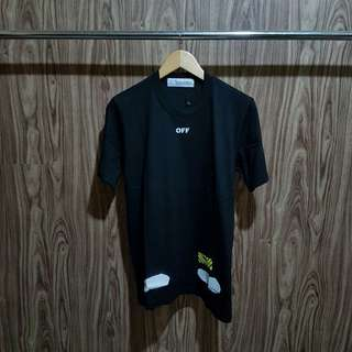 Kaos Off White Diagonal Spray Black premium