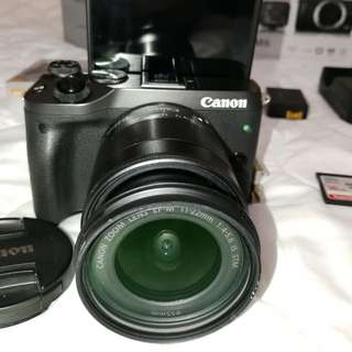 Canon EOS M6 Body Mirrorless 24MP APS-C  + Canon EF-M 11-22mm IS STM Wide Angle Lens