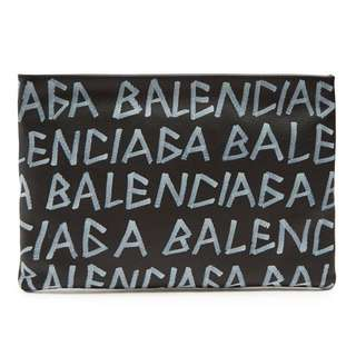 🆕👱‍♂️👱‍♀️SALE🎉🛍 Authentic BALENCIAGA Leather Clutch