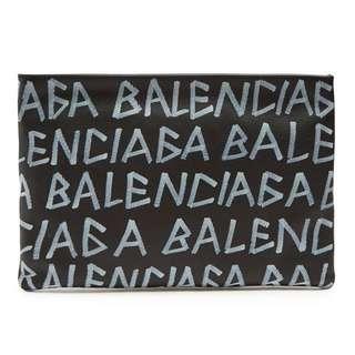 🆕👱♂️👱♀️SALE🎉🛍 Authentic BALENCIAGA Leather Clutch