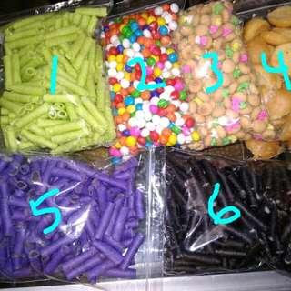 1.astor pandan 2.biskuit pelangi 3.jebros 4.bagelan 5.astor blueberry 6 astor vanilla 400gram