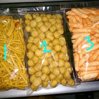 1.chesse stick 2.sus keju kering 3.stik kentang 400 gram