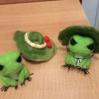 羊毛氈-旅行青蛙 擺飾