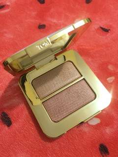 Tom Ford Reflects Gilt Sheer Highlighting Duo