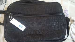 AdidasMessengerLaptop Bag