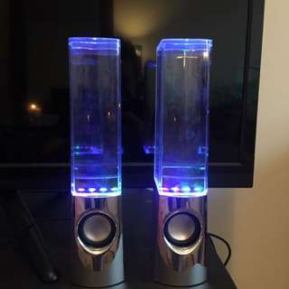 COLOURFUL WATER SPEAKERS