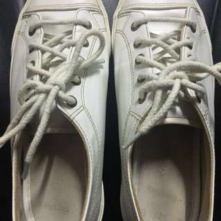 Bershka shoes size 6 color white-USED