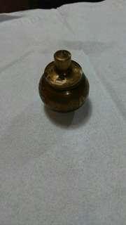 Brass pot cupu