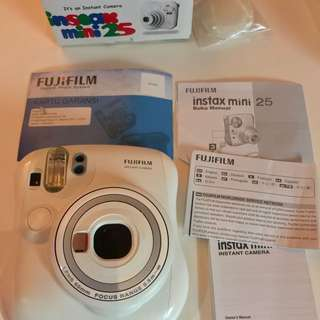 NEW FUJIFILM INSTAX Mini CAMERA