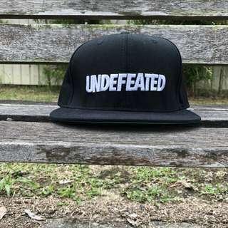 Undefeated Font Snapback / Black