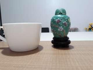 Koleksi pot, guci, piring dan panjangan antik China