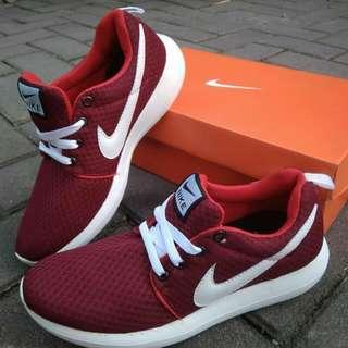 Nike import vietnam