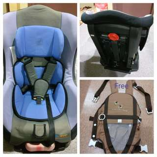 Baby car seat with free baby carrier