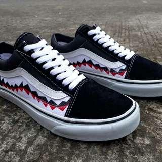 vans oldskool shark mouth bw