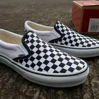 vans slip on checkerboard bw