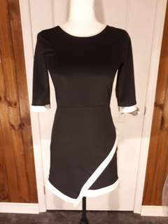 Black and white dress 1/2 sleeve