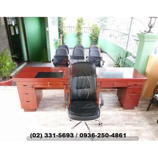 Executive Desk.Visitor-Clerical Chairs )) Office Partition
