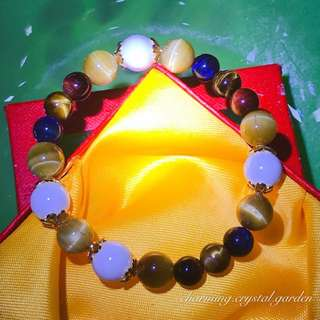 3-Colour / Golden Tiger Eye with White Shell bracelet. 三色 / 金虎眼石加砗磲手链