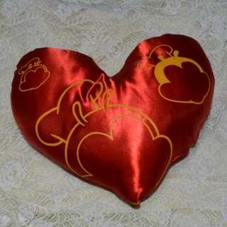 🌹JOLLIBEE HEART PILLOWS