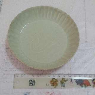 白定菊花小瓷盘