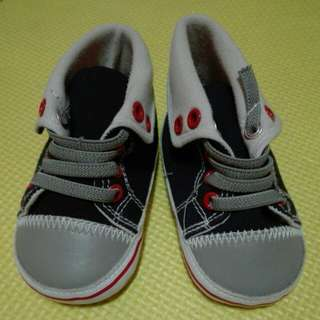 Crib couture shoes 6-12mos