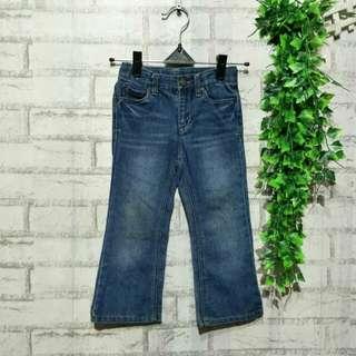 Jeans anak CHEROKEE  2 - 3 tahun LP 30cm Panjang 56cm Pengaturan Pinggang 50ribu  Sapa cepat dia dapat😍