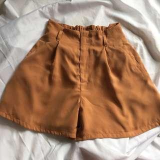 Preloved Highwaist Bellbottom Shorts