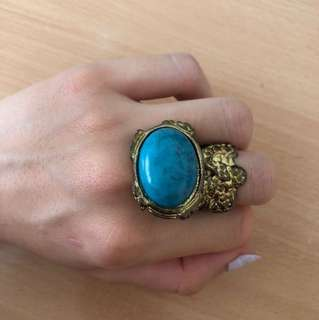 Vintage Luxurious Gold Ring