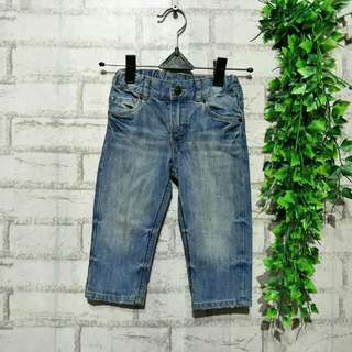 Jeans denim baby H&m  9 - 12 bulan / 1thn muat LP 29cm Panjang 45cm Pengaturan pinggang  Minus noda geser poto 50ribu  Sapa cepat dia dapat😍