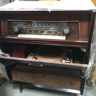 RARE Authentic Midcentury Vintage Radio with turn table and built in speakers Nordmende