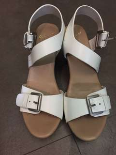As know as 白色涼鞋 Sandals