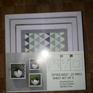 Wall shelf set of 3
