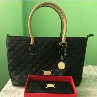 Authentic guess bag and wallet pair