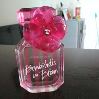 Victoria's secret bombshell in Bloom