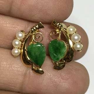 {Collectibles Item - Vintage Jade Earrings} Vintage 18K Yellow Gold Beautiful Green Peranakan Jade 老坑玉 Earrings With Pearls