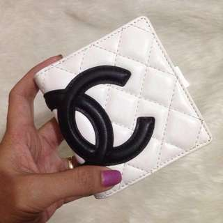 Auth CHANEL Calfskin Quilted Cambon Ligne Bi-fold White Wallet