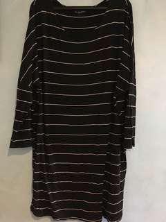 True clothing dress (color black) size 3L