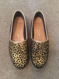 Vizzano Gold Black Leopard Flats Size 7 Good Condition