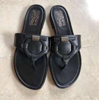 Preloved Authentic ferragamo sandal