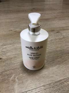 Estelle & Thild Spring Rose Blonde hand lotion