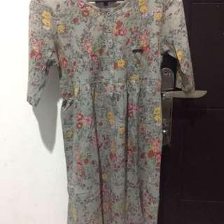 Grey flowers dress