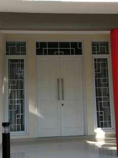 1set daunpintu utama dan kusen-jendela