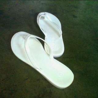 Solemate White Slippers